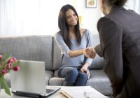 Cómo acercarse a un encuentro negativo con un consejero de la Escuela de Medicina