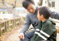 如何激励孩子说话