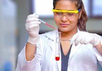 As notas baixas de ciências podem inviabilizar minha carreira na faculdade de medicina antes do segundo ano?