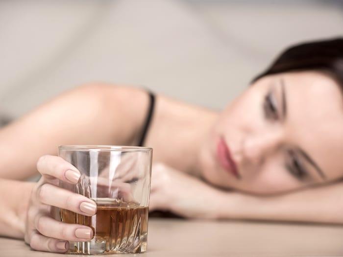 Trastorno de ansiedad social y el beber para el alivio del estrés: ¿está usted en riesgo de adicción al alcohol?