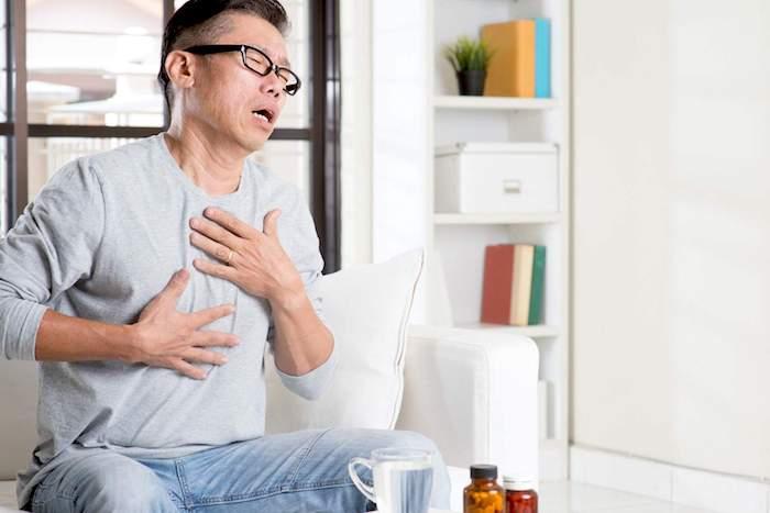 Brûlures d'estomac et caféine: le café, le thé et le chocolat sont-ils interdits dans un régime de reflux acide?