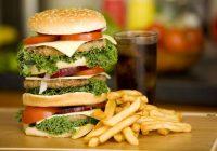 الأطعمة الغنية بالدهون في نظام غذائي حمض الجزر: هل من الضروري قول لا للدهون للتخلص من حرقة؟