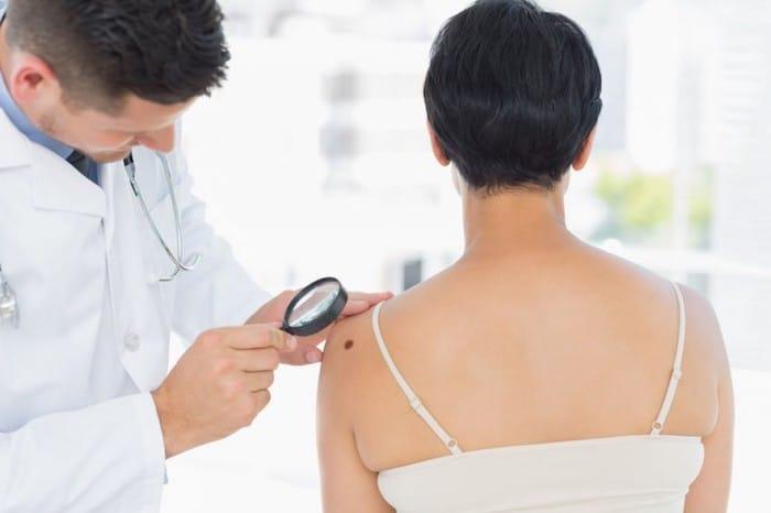 Mobile Anwendungen sind für die Erkennung von Hautkrebs nicht genau, aber einige können trotzdem zur Erkennung von Melanomen beitragen