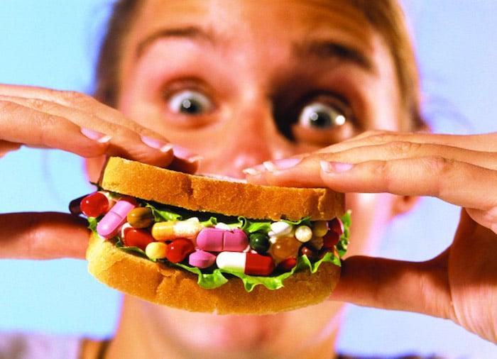 Automedicamentarse con comida