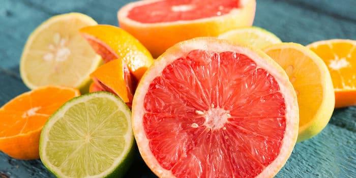 Débarrassez-vous des brûlures d'estomac avec un régime de reflux acide: devrais-je manger des agrumes?