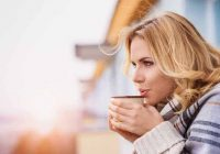 نظام غذائي حمض الجزر وقهوة منخفضة الحموضة أو منزوعة الكافيين: هل سيساعد على حرقة المعدة؟