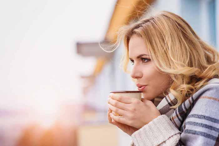 Régime de reflux acide et café peu acide ou décaféiné: aidera-t-il vos brûlures d'estomac?