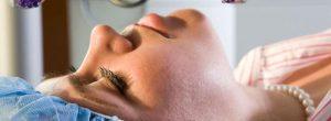 生育后的卵巢切除术 (去除卵巢)