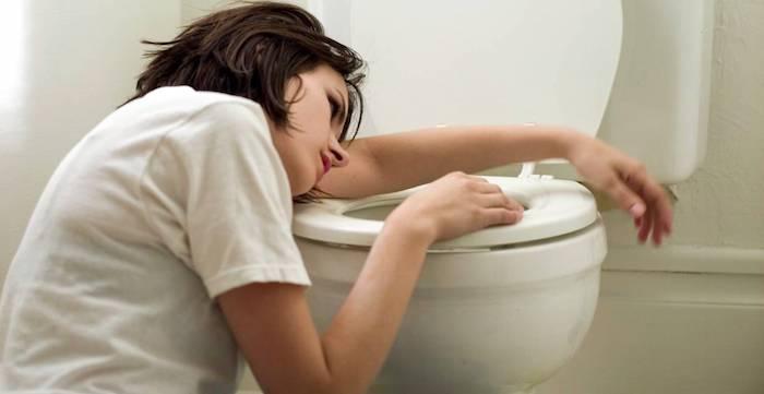 Intoxication alimentaire: la cause la plus fréquente de vomissements après les repas