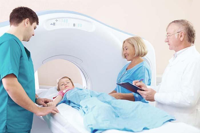 Infirmité motrice cérébrale: symptômes et traitement