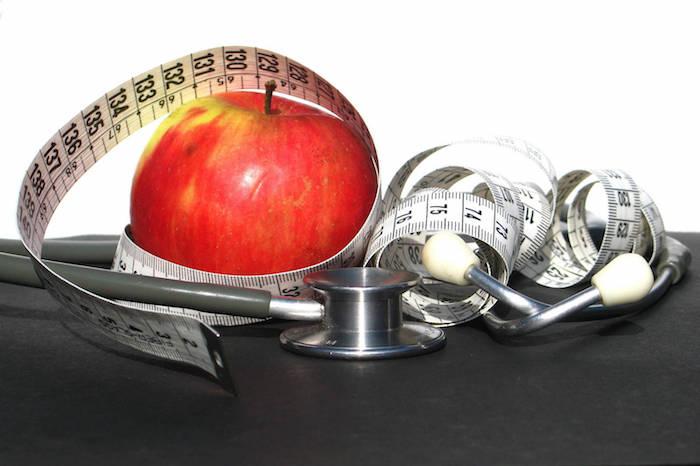 आप कोलेस्ट्रॉल को कम करने और सेब की मदिरा सिरका के साथ अपने दिल स्वास्थ्य की रक्षा कर सकते हैं?