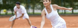 दो सबसे आम टेनिस चोटों से बचने के लिए कैसे?