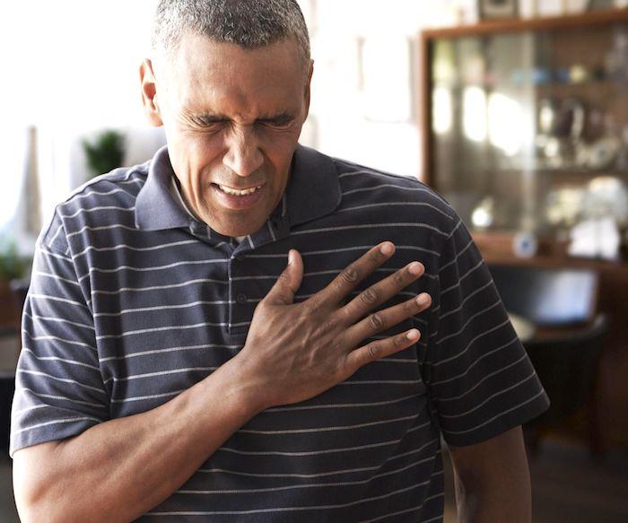 O que causa o desconforto do peito não cardíaca?