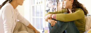 Dicas para que os pais solteiros converse com os adolescentes