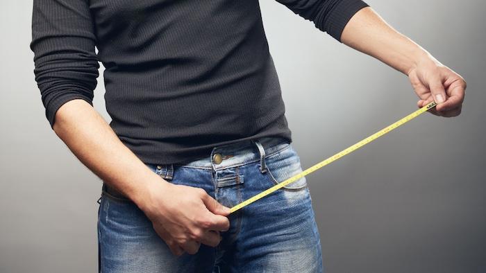 Tamaño del pene y lo que los hombres pueden (y no pueden) hacer al respecto