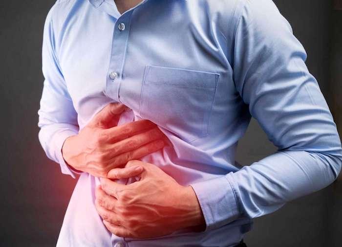 أعراض وأسباب والوقاية والعلاج من قرحة المعدة