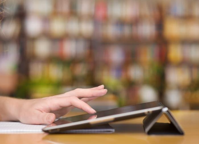 Aplicativos móveis que ajudarão você a ficar em dia com a literatura médica