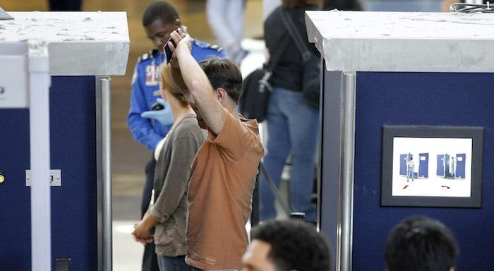 Os scanners completos de aeroportos são perigosos?