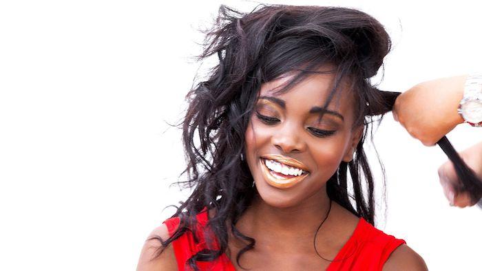 Extensiones de cabello, infusiones de cabello y reemplazo de cabello