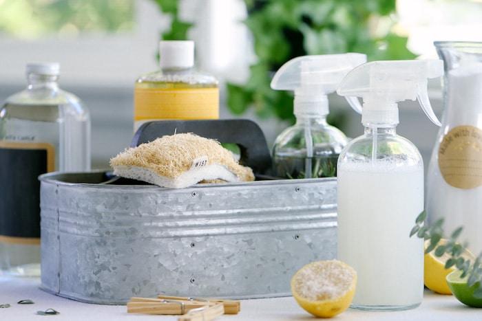 Los limpiadores caseros del hogar: ¿son mejores que los limpiadores químicos?