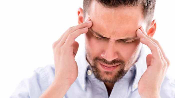 Kopfschmerzen: Selbstgemachte und natürliche Heilmittel gegen Migräne