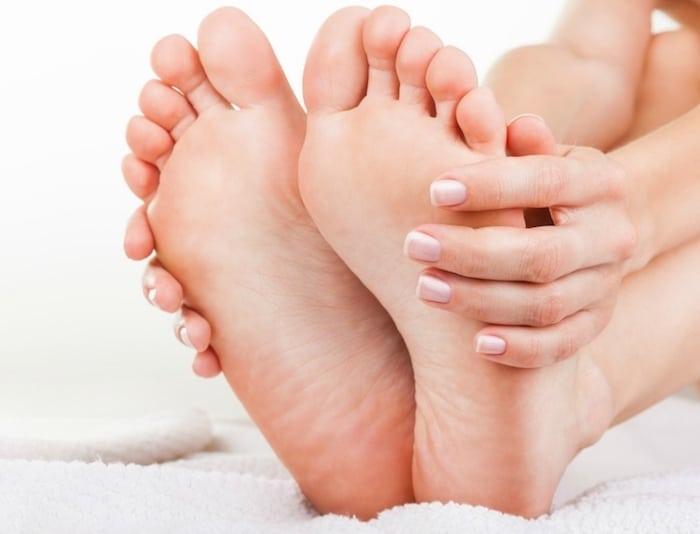 El alivio del dolor de Bunionette en casa: estos 8 cambios del estilo de vida curan su dolor en el dedo del pie