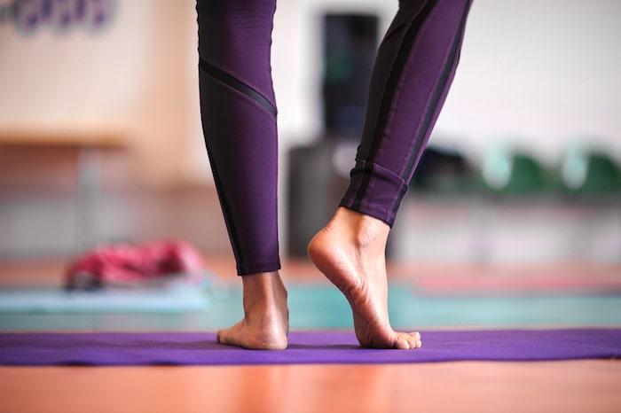 Alivio del dolor del Bunionette: los ejercicios de rehabilitación que usted debe intentar para relevar su dolor en el dedo pequeño del pie