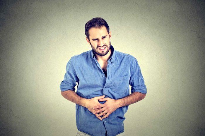 Doctor, ¿qué me puede causar dolor abdominal?