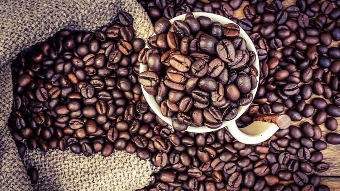 कैफीन के प्रभावों और क्या वे हमें नहीं बताया है
