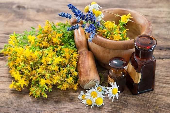 Antidepresivos naturales: ¿puede la hierba de San Juan tratar realmente su depresión?
