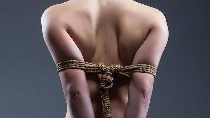 As mulheres e a sexualidade: o 50% as mulheres têm fantasias com a violação? Mas a fantasia e a realidade não se misturam