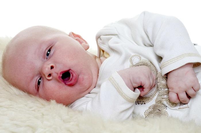 La toux chez les enfants: causes possibles