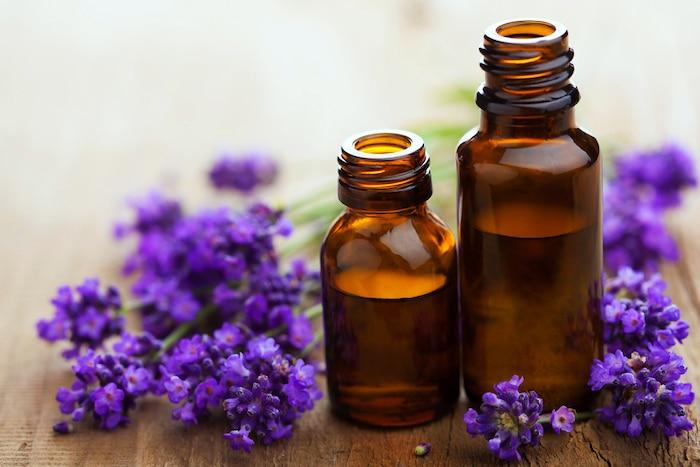 3 Ätherische Öle zur Schmerzlinderung und anderen Symptomen der Fribomyalgie