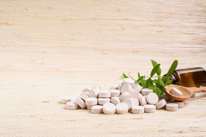 Suppléments à base de plantes et de vitamines pour soulager les symptômes de la ménopause