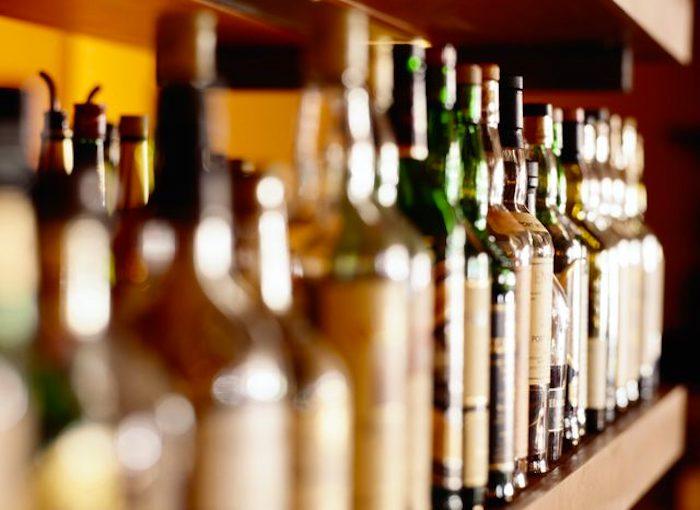 抗生素和酒精:它们如何相互作用?