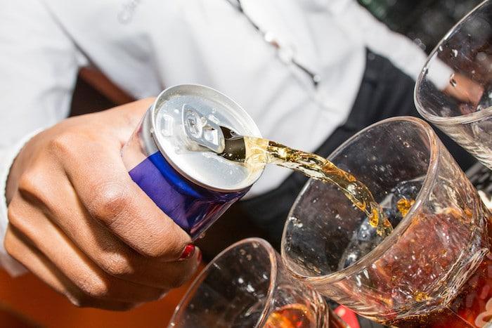 Los médicos advierten sobre los riesgos de las bebidas energéticas