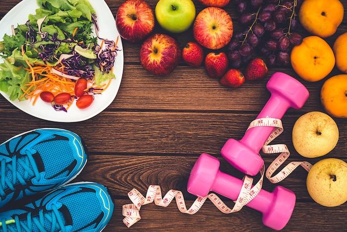 Consejos sobre la pérdida de peso saludable: dieta equilibrada y actividad física moderada