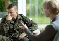Cómo el trastorno de estrés postraumático en los veteranos puede conducir a los desafíos sexuales y la disfunción eréctil