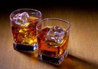 Mit Viagra (Sildenafil) und Alkohol zusammen: Sind sie kombiniert?