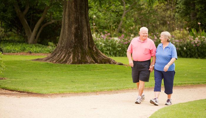 Los ancianos que hacen ejercicio con regularidad tienen mejor corazón que las personas sedentarias jóvenes sanas