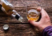 6 verursacht Rückenschmerzen nach dem Trinken von Alkohol