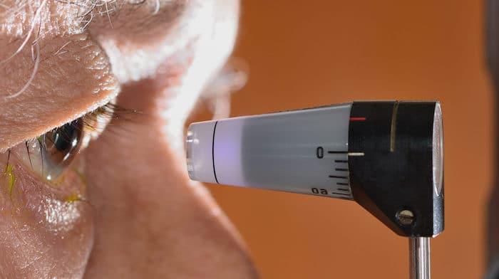Efectos secundarios del tratamiento de la degeneración macular: infección ocular después de la inyección intravítrea