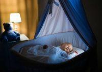 Dolor cólico en los bebés: ¿ayudará la máquina de ruido blanco a dormir a su bebé?