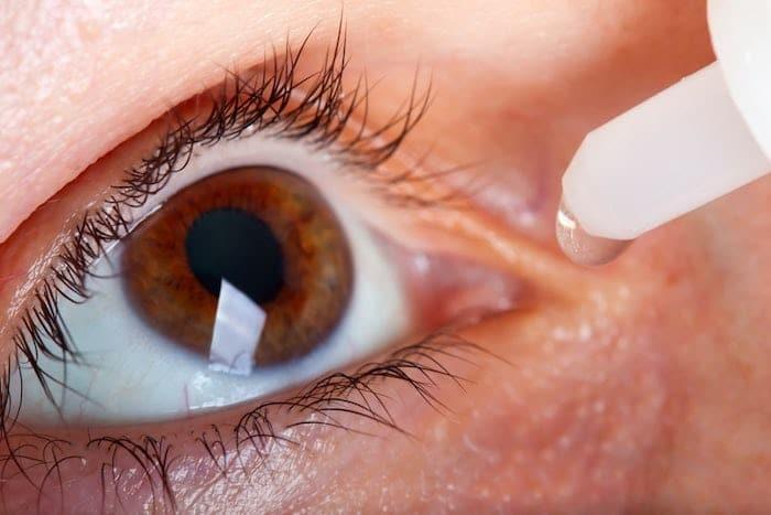 Terapia anti-VEGF para el tratamiento de la degeneración macular húmeda: beneficios y efectos secundarios