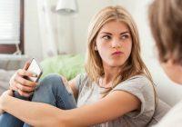"""Criando a un """"adolescente complicado"""": privación de sueño, comportamiento y rendimiento académico"""