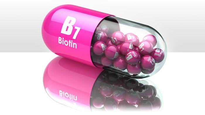 3 efectos secundarios de los suplementos de biotina que debe vigilar