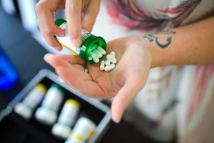 Aplicaciones móviles para profesionales de la salud para usar en caso de sobredosis y envenenamiento de medicamentos