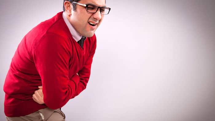 Então, quais são os sintomas dos ataques da vesícula biliar?