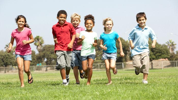 Entonces, ¿cómo los niños educados en el hogar encuentran amigos?