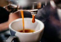 القهوة ملين: هل الكثير من القهوة يسبب حركات الأمعاء المتكررة؟
